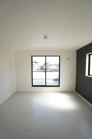 6帖 玄関から直接出入りできるので客間として使えます。
