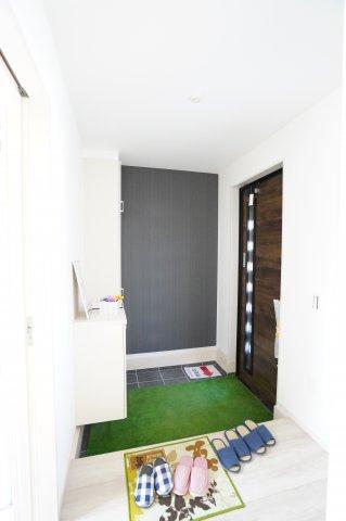 2階6帖 WICがあるお部屋です。