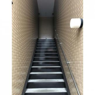 アパート外の階段です。