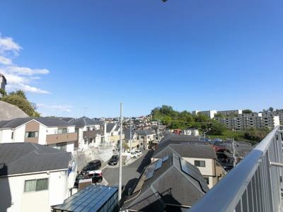 4階部分からの眺望です。 日当たり◎の高台で気持ちの良い眺望です♪