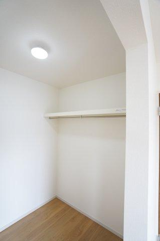 【同仕様施工例】1階 シャワー付きトイレです。