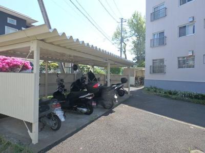 駐輪場、バイク置場あり