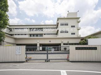 西東京市立田無第二中学校(約337m)