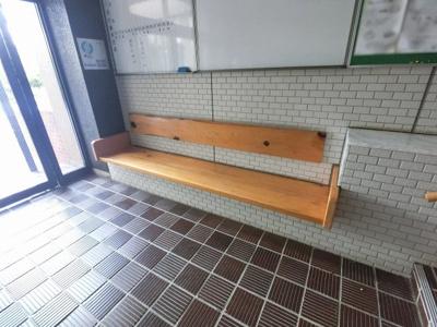 共用部分のベンチです。