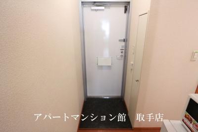【玄関】レオパレスヴァンベール