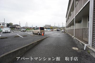 【駐車場】レオパレス井野