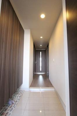 きれいな玄関です:即入居可♪平日も内覧出来ます♪八潮新築ナビで検索♪