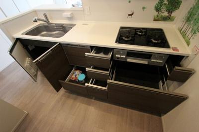 キッチンです:即入居可♪平日も内覧出来ます♪八潮新築ナビで検索♪
