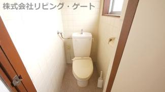 トイレ。窓があるので換気もちゃんと出来ます。
