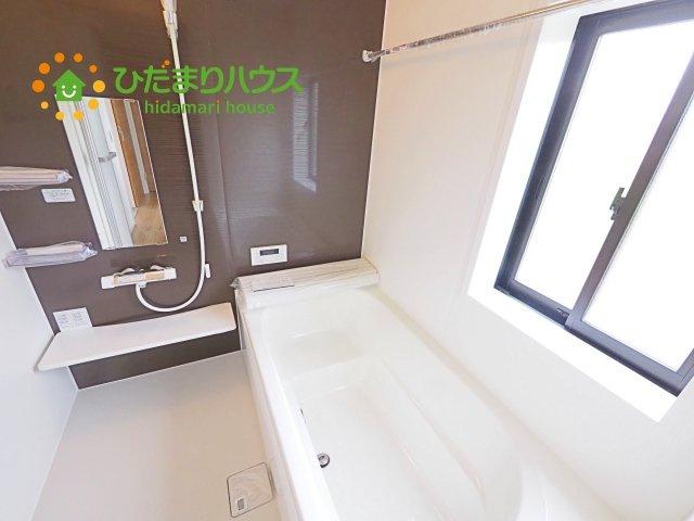浴室乾燥機が付いているので、雨の日や、花粉の季節でもお洗濯が快適にできます!