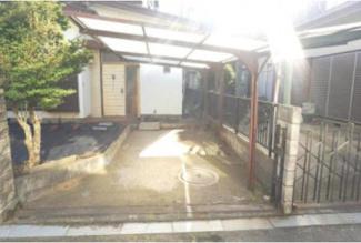 屋根付きの駐車場です!(^^)!