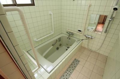 【浴室】高石市取石2丁目 中古戸建