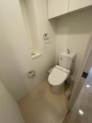 トイレにも収納スペースなどがございますので、スッキリとした空間を演出できます!