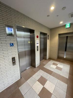 エレベーターも2機ございますので、通勤通学の混雑などもございません。