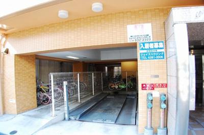 セレッソコート西心斎橋 駐車場