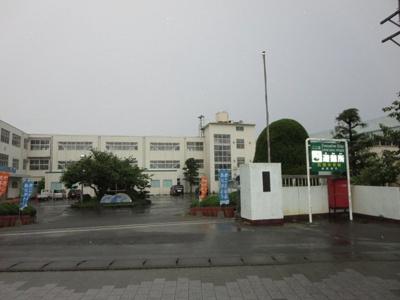 御前崎市立浜岡中学校まで1100m