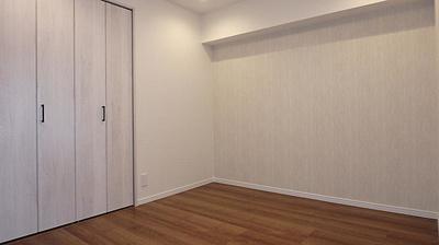 落ち着いた色調の洋室です。