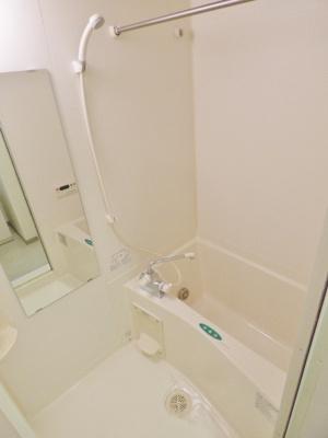 浴室乾燥機、追い焚き給湯の自動お湯はり付き!※掲載画像は同タイプの室内画像のためイメージとしてご参照ください。
