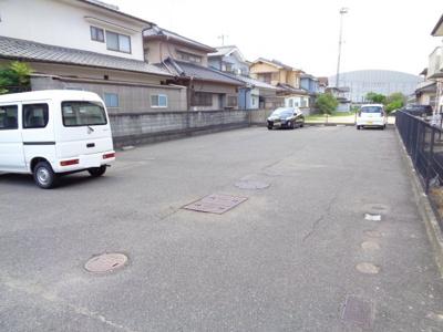 【駐車場】フォブール十三軒屋