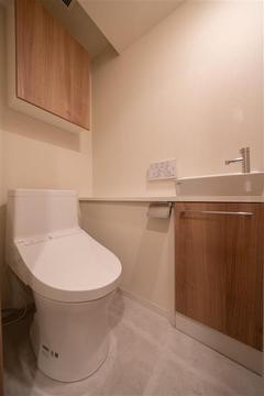 ゆったりとした使いやすいトイレです