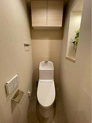 現代の必需品、ウォシュレット一体型トイレ新規交換済。