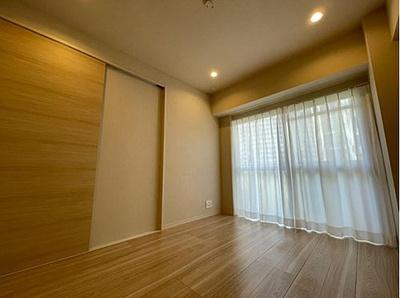 各洋室には収納力十分なウォークインクローゼット付。