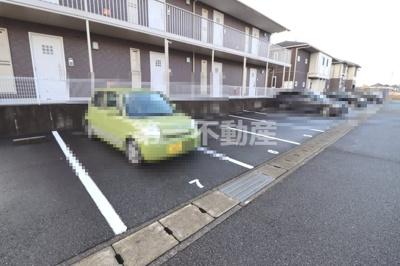【駐車場】メゾン・ド・モンテヴァンA