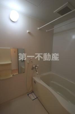 【浴室】メゾン・ド・モンテヴァンA