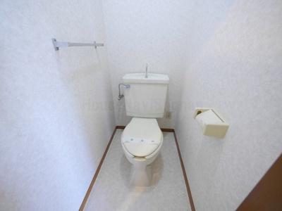 【トイレ】シャンベール花の木