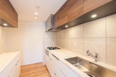 調理スペースが広くお料理が楽しくなりそうなキッチンです。