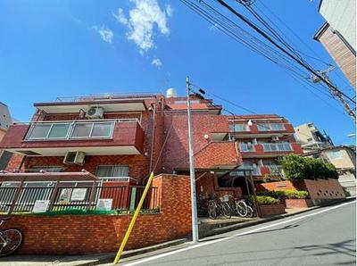 東急東横線「祐天寺」駅徒歩約10分の立地。