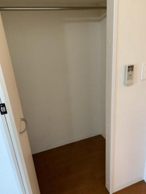 洋室5.7帖クローゼット ※イメージです