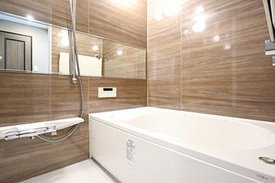 浴室換気乾燥機付き。リノベーションでユニットバスを新しくいたしました。