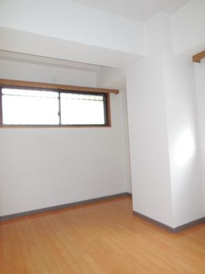 洋室(玄関側)(前回募集時の写真です)