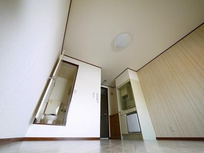 【居間・リビング】青葉ロイヤルハイツ