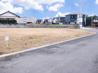 グランファミーロ金田東4 土地 袖ヶ浦駅 前面6m公道につき、車両同士のすれ違いがスムーズ♪運転が苦手な方でも安心できる広さです!