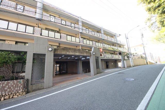 L字型のキッチンなので、スペースを広く使えます。