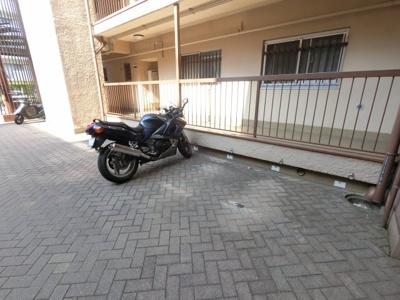 バイク置き場です。
