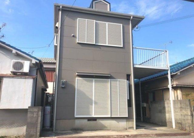 平成10年築のお家です。間取りは4LDKになります。