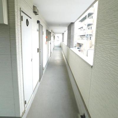 【玄関】フォレスト長居公園