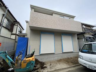 JR総武・中央緩行線「津田沼」駅バス22分三山車庫停歩3分の全1棟の新築一戸建てです。