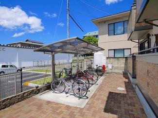 自転車置き場が設置されてます