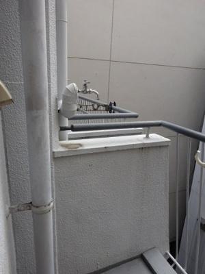 室外洗濯機置き場です