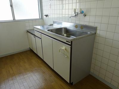 きれいなキッチンです(現況と異なる場合は、現況を優先します。)