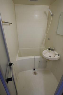コーポ吉村 やっぱり嬉しいバストイレ別。