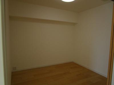 クローゼット付洋室4.4畳。