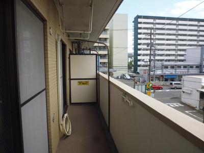 3階とはいえども、バルコニーからの眺めもいいですね!