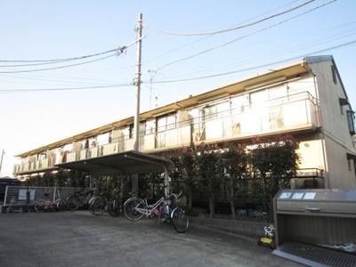グリーンライン「日吉本町」駅より徒歩11分!東急東横線「綱島」駅からも徒歩圏内!閑静な住宅地にある2階建てアパートです♪ドラッグストアやコンビニが近くて便利な住環境です☆