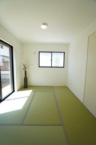 6畳 客間やキッズスペースとしてお使いいただくことができますよ。