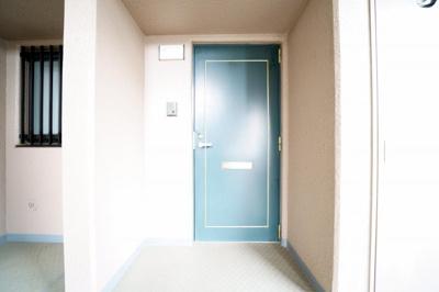 プライバシーが確保された玄関です。